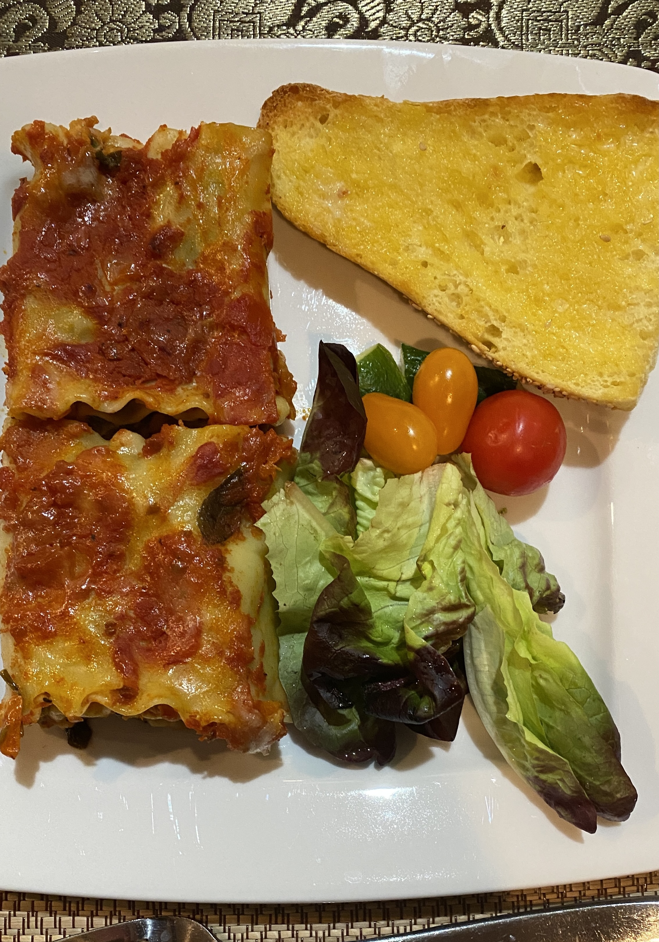 Serve with salad and toasted Italian bread